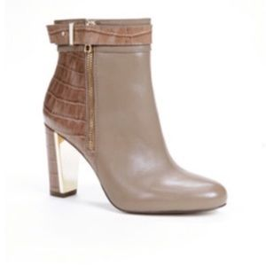 Ann Taylor Sam Side Zip Ankle Bootie Boot